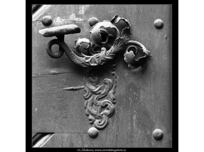 Klika na dveřích (2550), Praha 1963 , černobílý obraz, stará fotografie, prodej