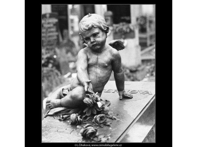 Dětský náhrobek (2761), Praha 1964 březen, černobílý obraz, stará fotografie, prodej