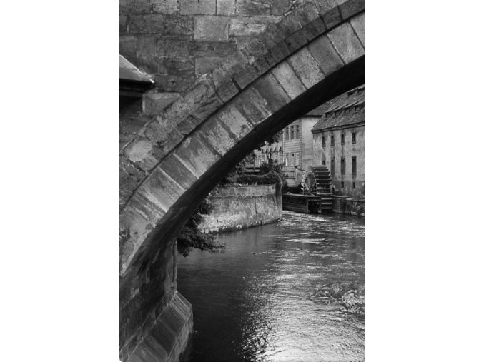 Velkopřevorský mlýn (4699), Praha 1966 srpen, černobílý obraz, stará fotografie, prodej