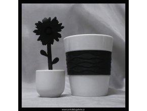 Hrnek Černá květina