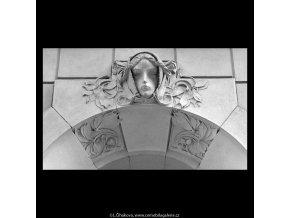 Maskaron (5213), Praha 1967 březen, černobílý obraz, stará fotografie, prodej