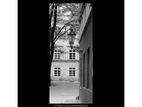 Z Kampy (5303-3), Praha 1967 květen, černobílý obraz, stará fotografie, prodej