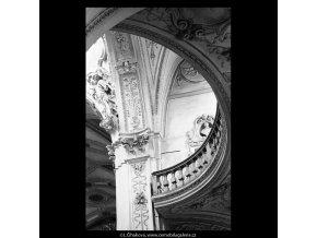Chrám sv.Mikuláše (5342), Praha 1967 květen, černobílý obraz, stará fotografie, prodej