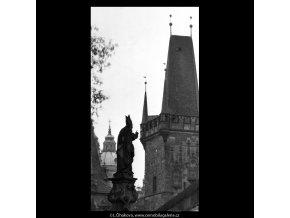Pražské věže (5333), Praha 1967 květen, černobílý obraz, stará fotografie, prodej