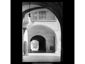 Průchod z Celetné do Štupartské (5356-1), Praha 1967 červen, černobílý obraz, stará fotografie, prodej