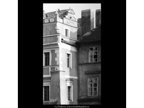 Část domu U Voglů (5360-1), Praha 1967 červen, černobílý obraz, stará fotografie, prodej