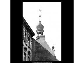 Pražské věže (5415), Praha 1967 červenec, černobílý obraz, stará fotografie, prodej