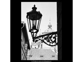 Věže chrámu sv.Jakuba (5470-4), Praha 1967 srpen, černobílý obraz, stará fotografie, prodej