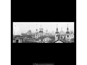 Pražské věže (5400-7), Praha 1967 červen, černobílý obraz, stará fotografie, prodej