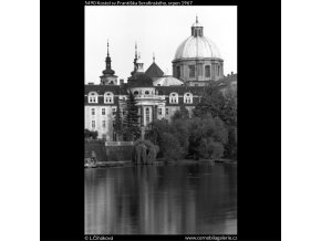 Kostel sv.Františka Serafinského (5490), Praha 1967 srpen, černobílý obraz, stará fotografie, prodej