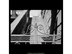 Mříže Tylova divadla (5468-1), Praha 1967 srpen, černobílý obraz, stará fotografie, prodej