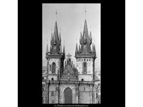 Věže Týnského chrámu (5506), Praha 1967 srpen, černobílý obraz, stará fotografie, prodej