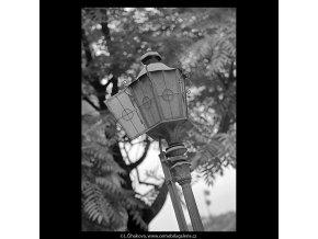 Otevřená lucerna (5569), Praha 1967 září, černobílý obraz, stará fotografie, prodej