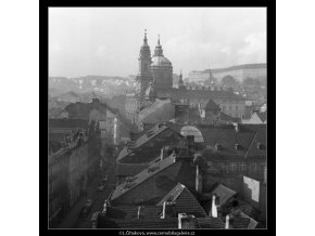 Pohled na chrám sv.Mikuláše (41-27), Praha 1958 , černobílý obraz, stará fotografie, prodej