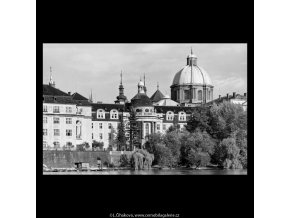 Kostel sv.Františka Serafinského (5502), Praha 1967 srpen, černobílý obraz, stará fotografie, prodej