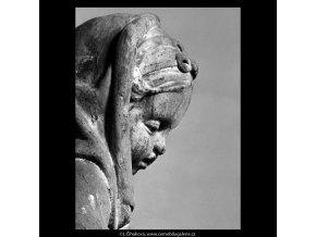 Putto se supem (5620-2), Praha 1967 září, černobílý obraz, stará fotografie, prodej