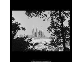 Pohled na Hrad (5682-2), Praha 1967 říjen, černobílý obraz, stará fotografie, prodej
