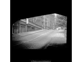 Průhled zpod Jiráskova mostu (5640), Praha 1967 říjen, černobílý obraz, stará fotografie, prodej