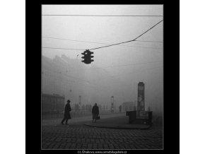 Václavské náměstí v mlze (49), Praha 1959 , černobílý obraz, stará fotografie, prodej