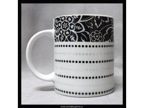 Hrnek Květinový s puntíky černá