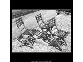 Židle se stíny (166-7), Praha 1959 červen, černobílý obraz, stará fotografie, prodej