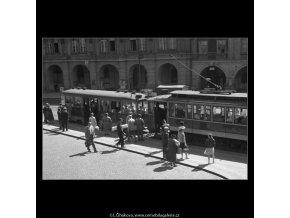 Malostranské náměstí (190), Praha 1959 červen, černobílý obraz, stará fotografie, prodej