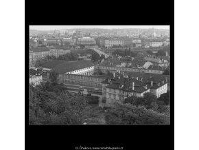 Pohled na Prahu  (224-1), Praha 1959 srpen, černobílý obraz, stará fotografie, prodej
