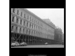 Chourovy domy (267-2), Praha 1959 srpen, černobílý obraz, stará fotografie, prodej