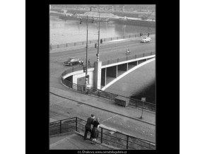 U ústí Švermova mostu (343), Praha 1959 září, černobílý obraz, stará fotografie, prodej