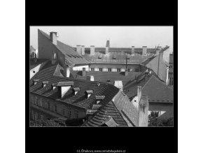 Pohled na střechy (384-2), Praha 1959 , černobílý obraz, stará fotografie, prodej
