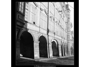 Podloubí (560-3), Praha 1959 , černobílý obraz, stará fotografie, prodej