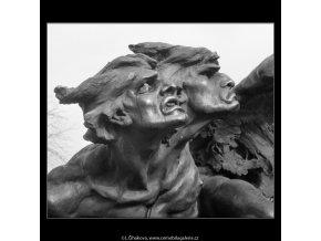 Detail z Palackého pomníku (740-1), Praha 1959 , černobílý obraz, stará fotografie, prodej