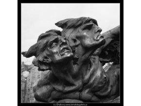 Detail z Palackého pomníku (740-2), Praha 1959 , černobílý obraz, stará fotografie, prodej