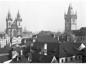 Týn a věž Staroměstské radnice (790-5), Praha 1959 , černobílý obraz, stará fotografie, prodej