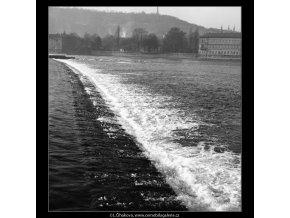 Pohled na jez (794-2), Praha 1959 , černobílý obraz, stará fotografie, prodej