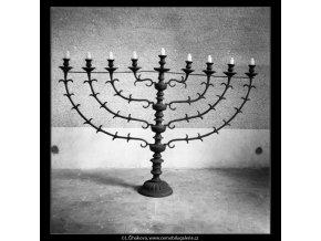 Ze židovského hřbitova (608-2), Praha 1960 květen, černobílý obraz, stará fotografie, prodej