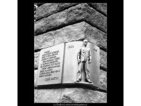 Pamětní deska (714), Praha 1960 červen, černobílý obraz, stará fotografie, prodej
