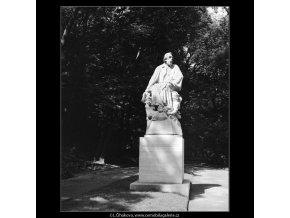 Pomník Jaroslava Vrchlického (765-1), Praha 1960 , černobílý obraz, stará fotografie, prodej