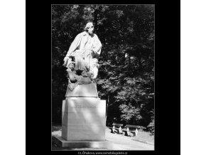 Pomník Jaroslava Vrchlického (765-2), Praha 1960 červenec, černobílý obraz, stará fotografie, prodej