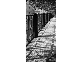 Zábradlí a stíny na nábřeží (802), Praha 1960 červenec, černobílý obraz, stará fotografie, prodej