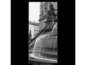 Část fontány (824), Praha 1960 červenec, černobílý obraz, stará fotografie, prodej