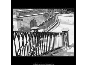 Zábradlí (869), Praha 1960 , černobílý obraz, stará fotografie, prodej