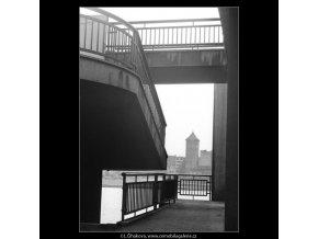 Schodiště z nábřeží (1225-2)), žánry - Praha 1961 srpen, černobílý obraz, stará fotografie, prodej