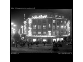 Dům potravin večer (1006-1), Praha 1960 prosinec, černobílý obraz, stará fotografie, prodej