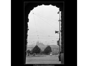 Pražský hrad z podloubí (1259), Praha 1959 , černobílý obraz, stará fotografie, prodej
