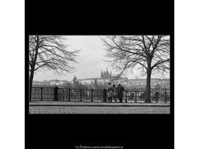 Pohled ku Hradu (1113), Praha 1961 březen, černobílý obraz, stará fotografie, prodej