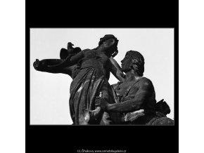 Sousoší J.V.Myslbeka (1171-1), Praha 1961 červen, černobílý obraz, stará fotografie, prodej