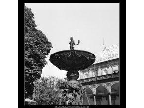 Zpívající fontána (1284-2), Praha 1961 jaro, černobílý obraz, stará fotografie, prodej
