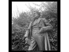 Pomník Jana Nerudy (1218-2), Praha 1961 srpen, černobílý obraz, stará fotografie, prodej