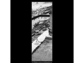 Koupaliště u Čechova mostu (1231), Praha 1961 srpen, černobílý obraz, stará fotografie, prodej